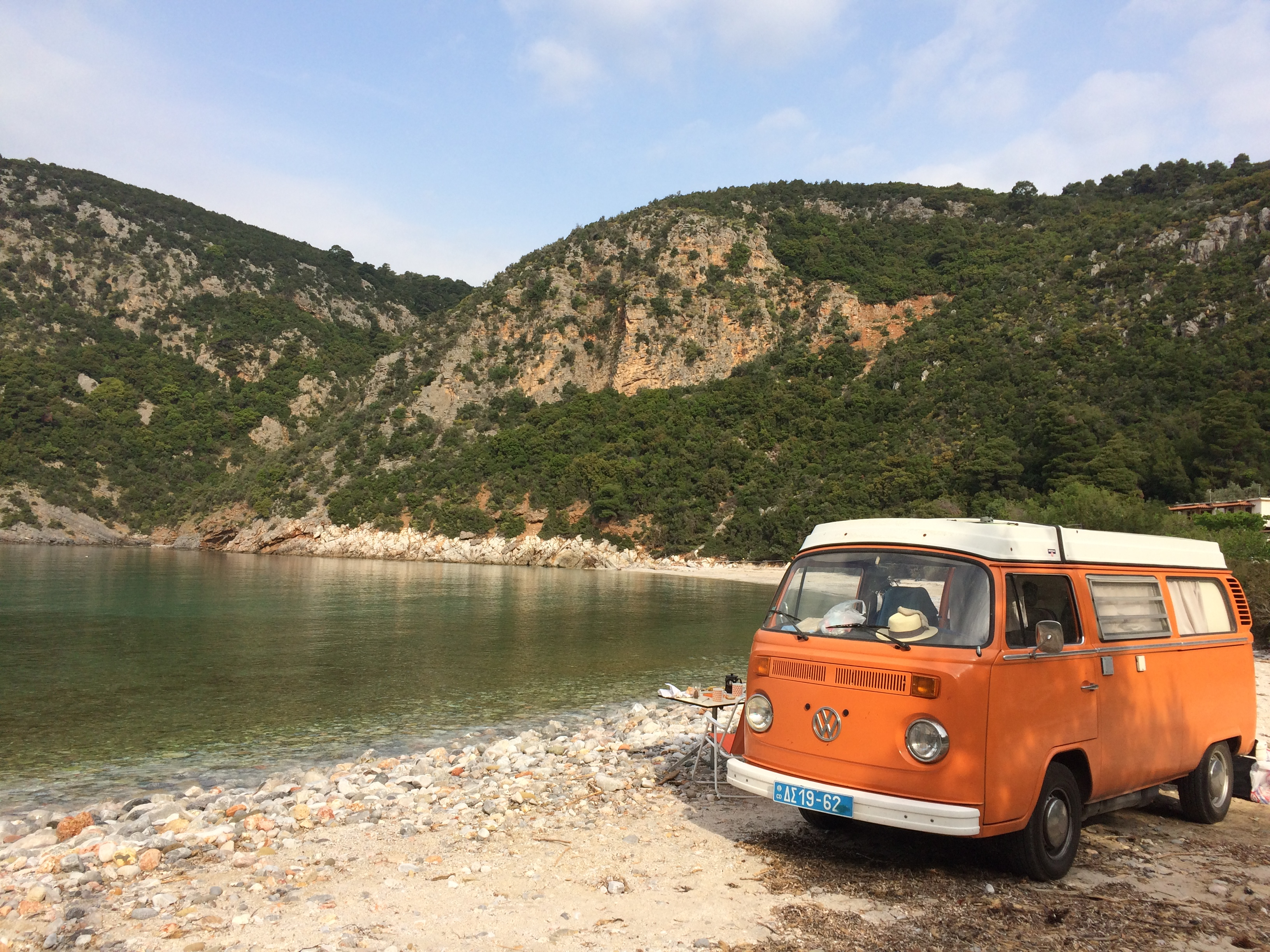 Visit Greece with an old VW bus ? Why not ?